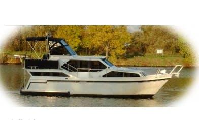 Charter 36' Gudrun Gruno 35 Motor Yacht in Saarlouis, Saarland
