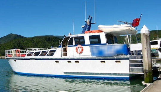 'foxy Lady' Boat Cruise & Kayak Trips In Havelock