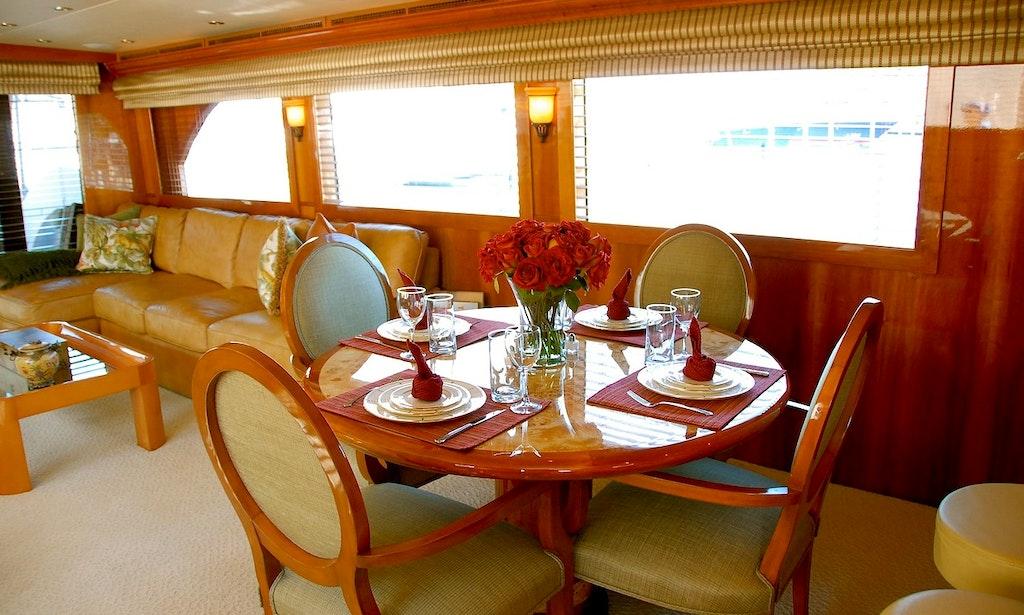Motor yacht rental in west palm beach getmyboat for Port motors west palm beach
