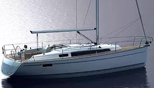 Charter A 33' Bavaria Cruiser Cruising Monohull In Muğla, Turkey