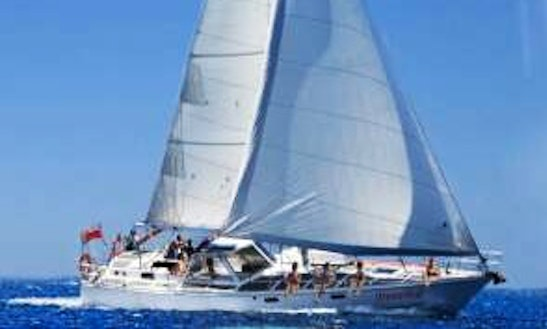 Sailing Charters Fiji / Day/night/exclusive