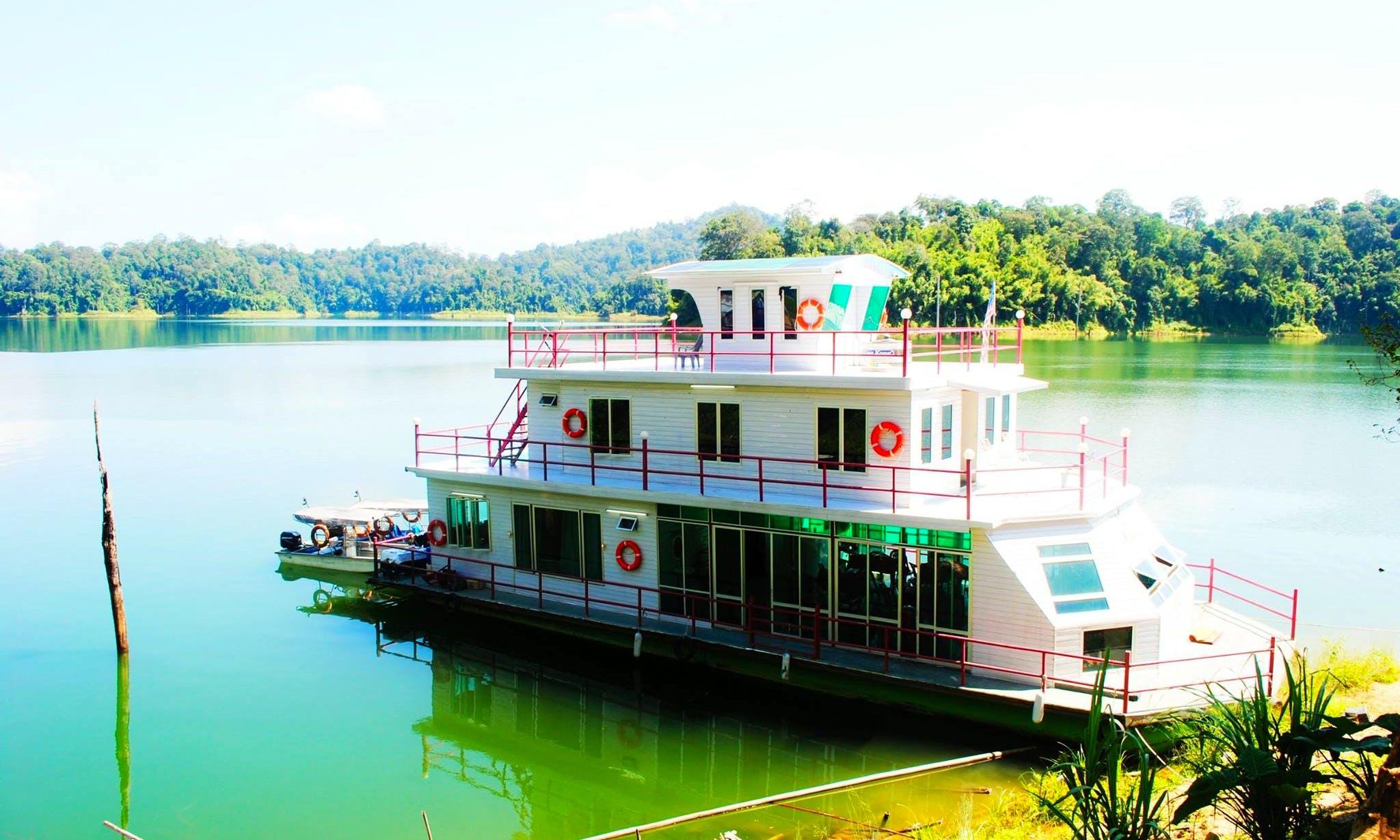 Charter 157' Houseboat in Gerik, Malaysia