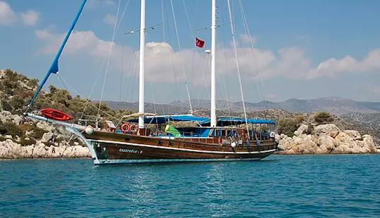 Charter 92' Kasapoglu 5 Traditional Boat In Antalya, Turkey
