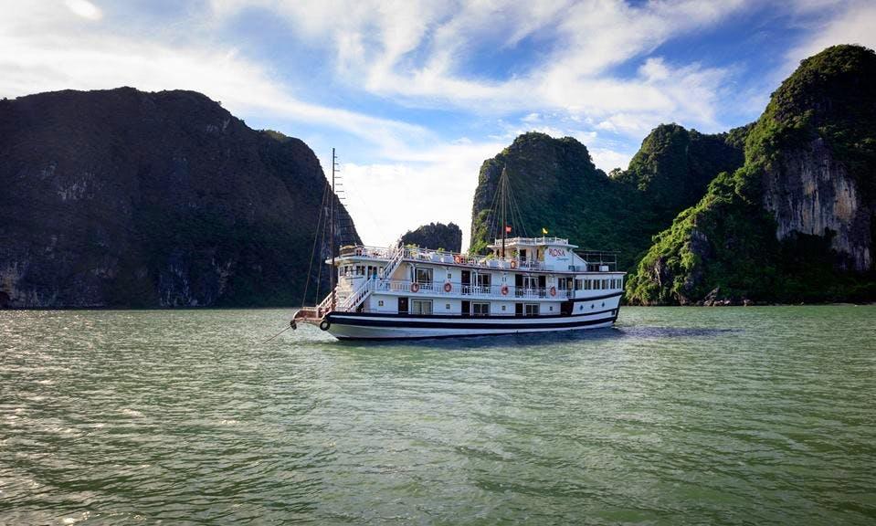 Junk Boat Cruising in Hạ Long Bay, Vietnam