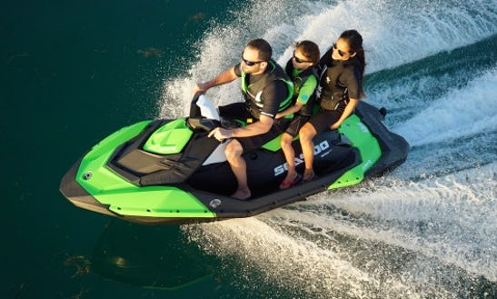 Start Your Day With A Thrilling Ride On 2 Jet Skis In San Jose, California!