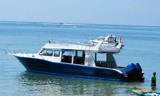 Motor Yacht In Gerokgak