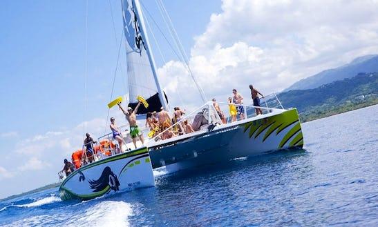Private Catamaran Booze Cruise In Negril