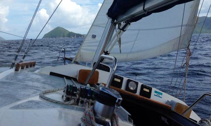 Sailing Charters On 37' Hunter Legend Cruising Monohull In Virgin Islands