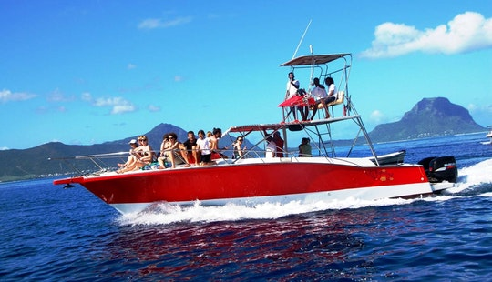 Awesome Sightseeing Boat Tour In Flic En Flac, Mauritius