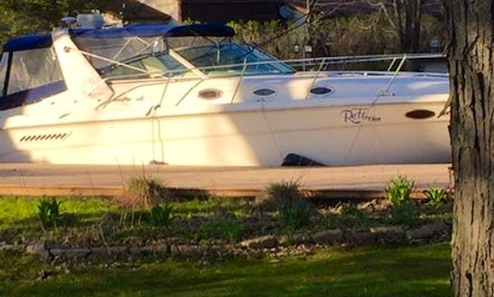 Motor Yacht For Rent In Brechin, Ontario