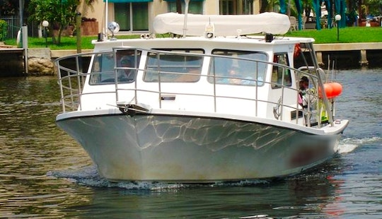 Charter On 36ft Diving Boat In Pompano Beach, Florida (divers Only)