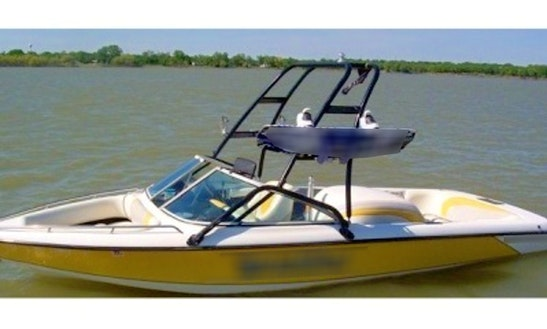20' Malibu Sportster At Lake Lewisville (dallas/ft.worth)
