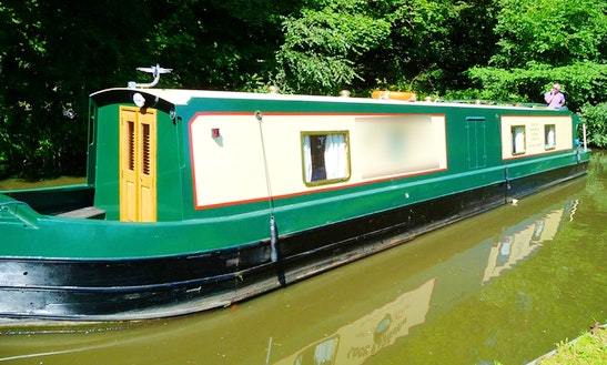 Canal Boat Hire In Fazeley