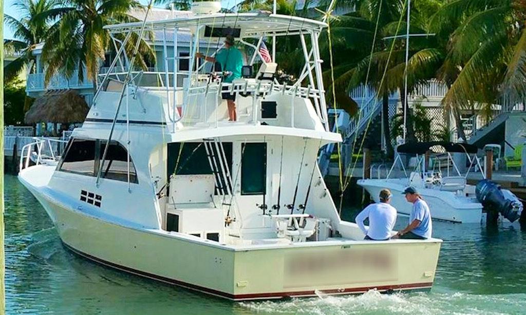 Fishing charter on 43ft calcutta boat in key largo for Key largo fishing charters
