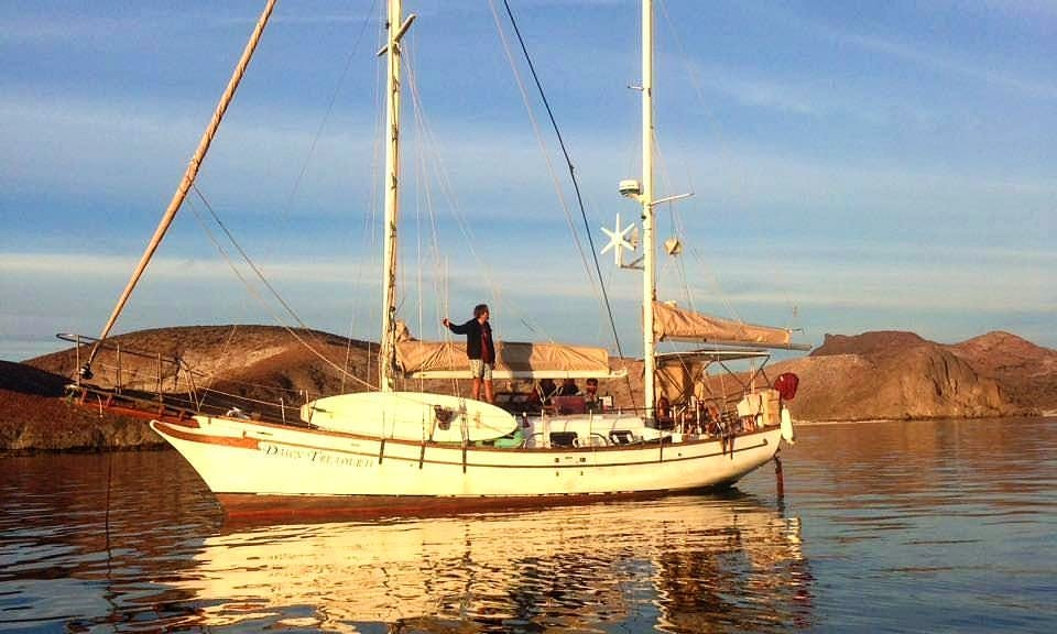 Classic Ketch Sailing tours La Paz (no bareboat)