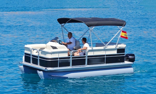 Pontoon ''sunchaser'' Charter In Illes Balears