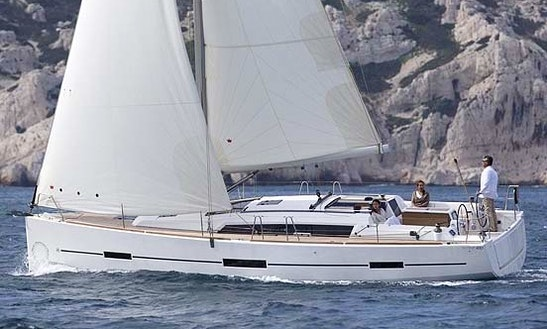 Cruising Monohull Rental In Catalunya