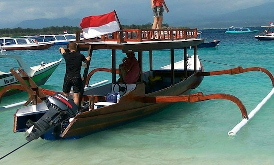 Enjoy Glass Bottom Boat Tours In Nusa Tenggara Barat, Indonesia