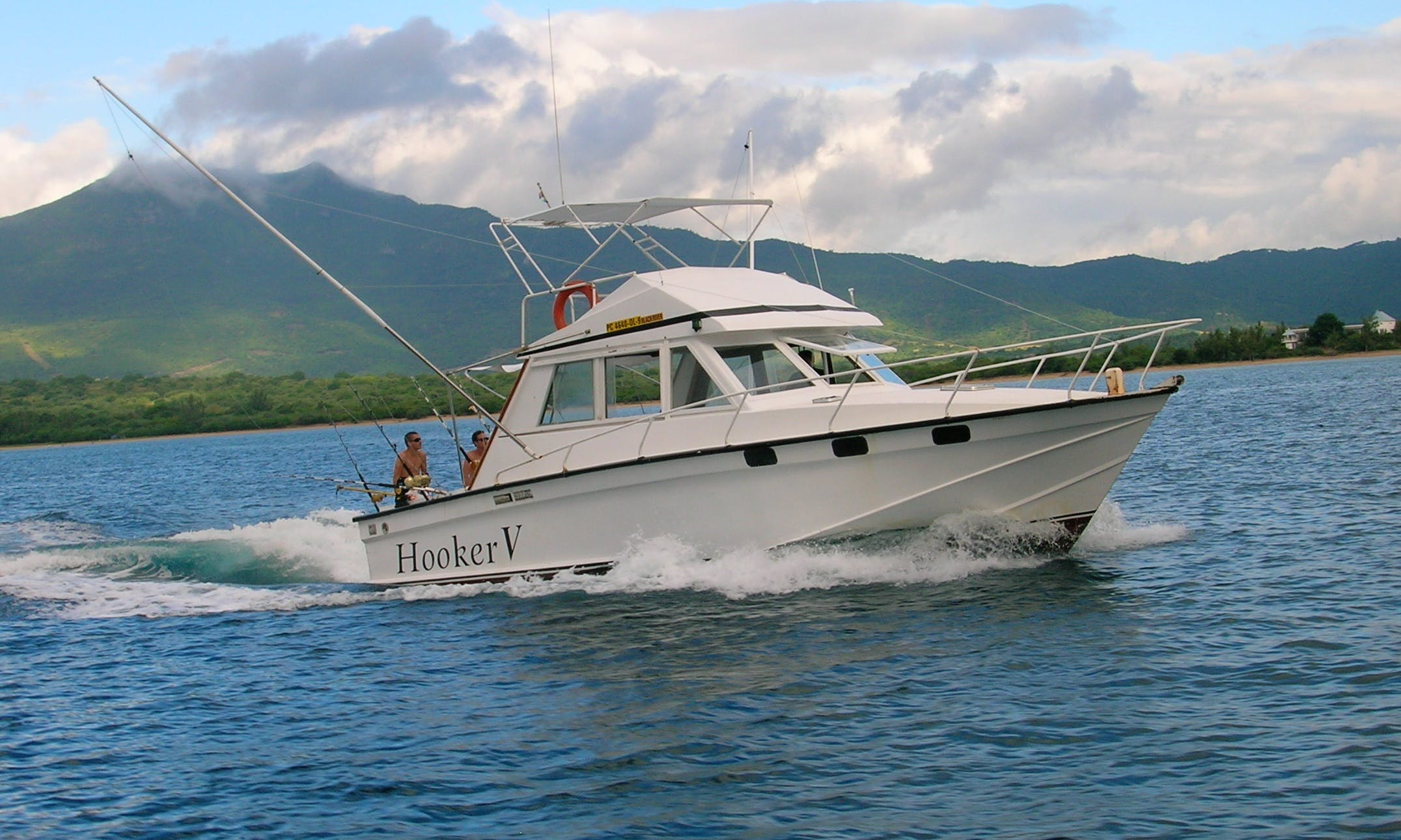 """Come Fish on """"Hooker V"""" From Tamarin Beach, Mauritius!"""
