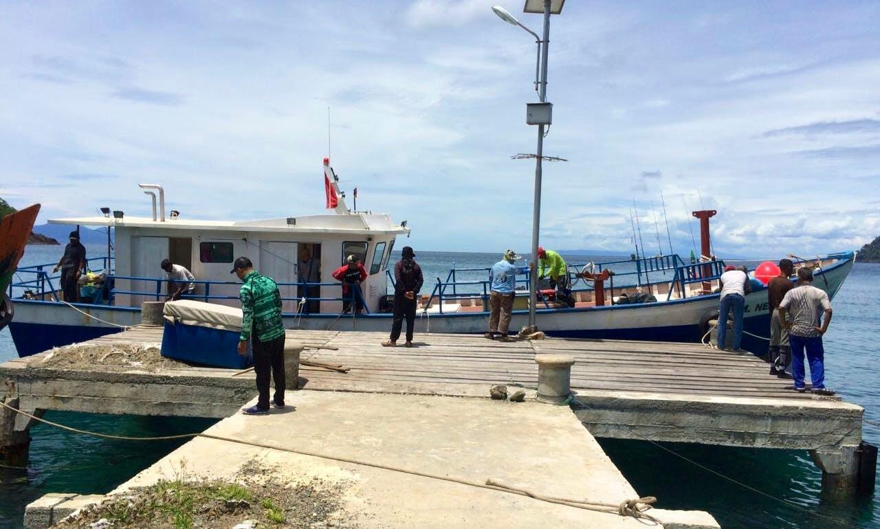 Enjoy Fishing in Aceh, Indonesia on Trawler