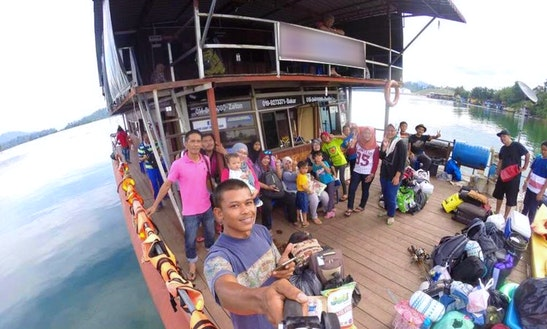Live On Floating Houseboat For 2 Days, 1 Night In Kuala Berang, Malaysia