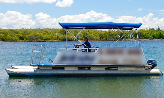 Pontoon Hire In Noosaville,queensland - Australia