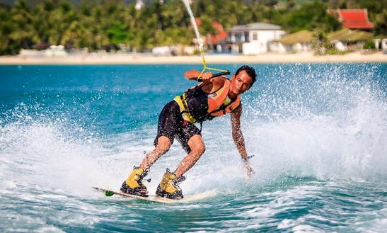 Every Try Wakeboarding? Take A Ride With Us!