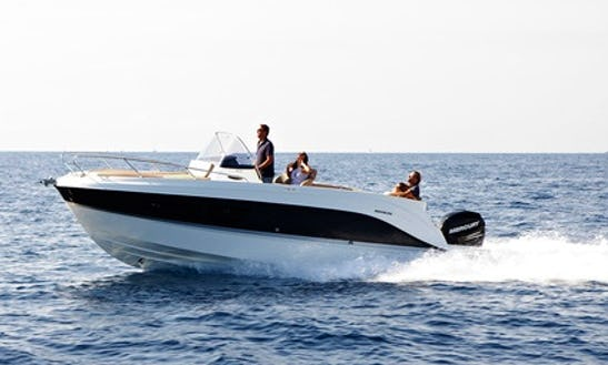 Rent 26' Quicksilver Center Console In Saint-tropez, France