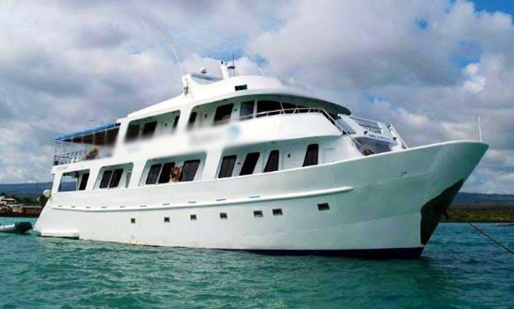 'Yolita II' Motor Yacht Charter in Guayaquil