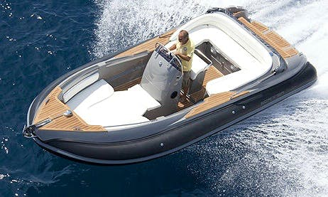 Charter 21' Sillinger 900 Center Console in Saint-Tropez, France