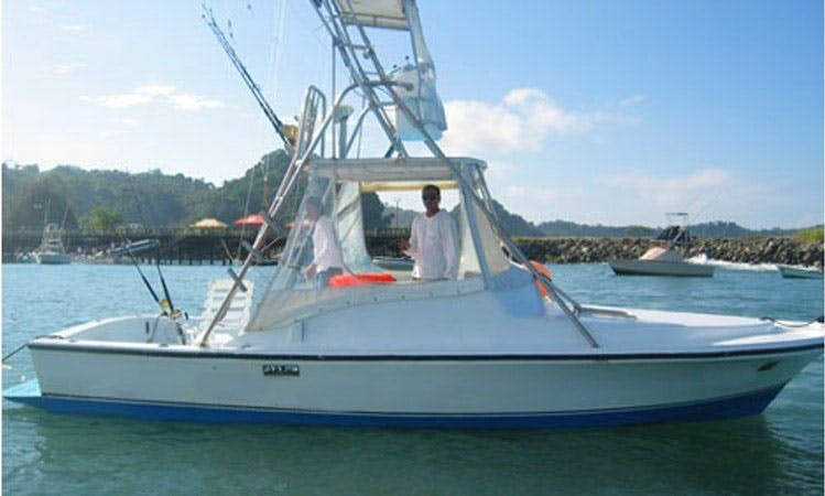 "28ft ""Bluefin II"" Sportfisherman Boat Charter In Puntarenas, Costa Rica"