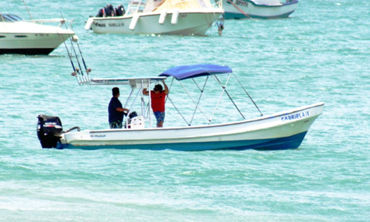 """25' """"Gabriela IV"""" Cruising in San Juan del Sur, Nicaragua"""