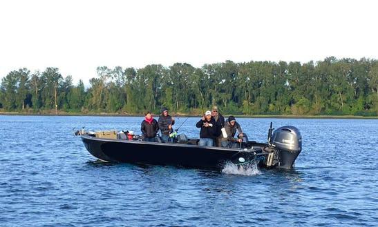Fully Guided Salmon Fishing On 25' Willie Raptor Bass Boat In Portland, Oregon