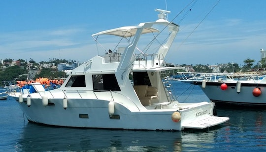 Charter Victoria Motor Yacht In Acapulco, Mexico
