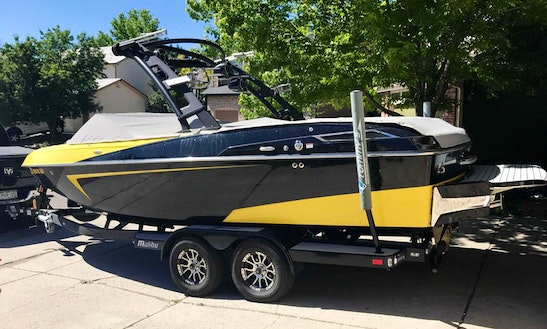 24' Bowrider Rental In Littleton, Colorado