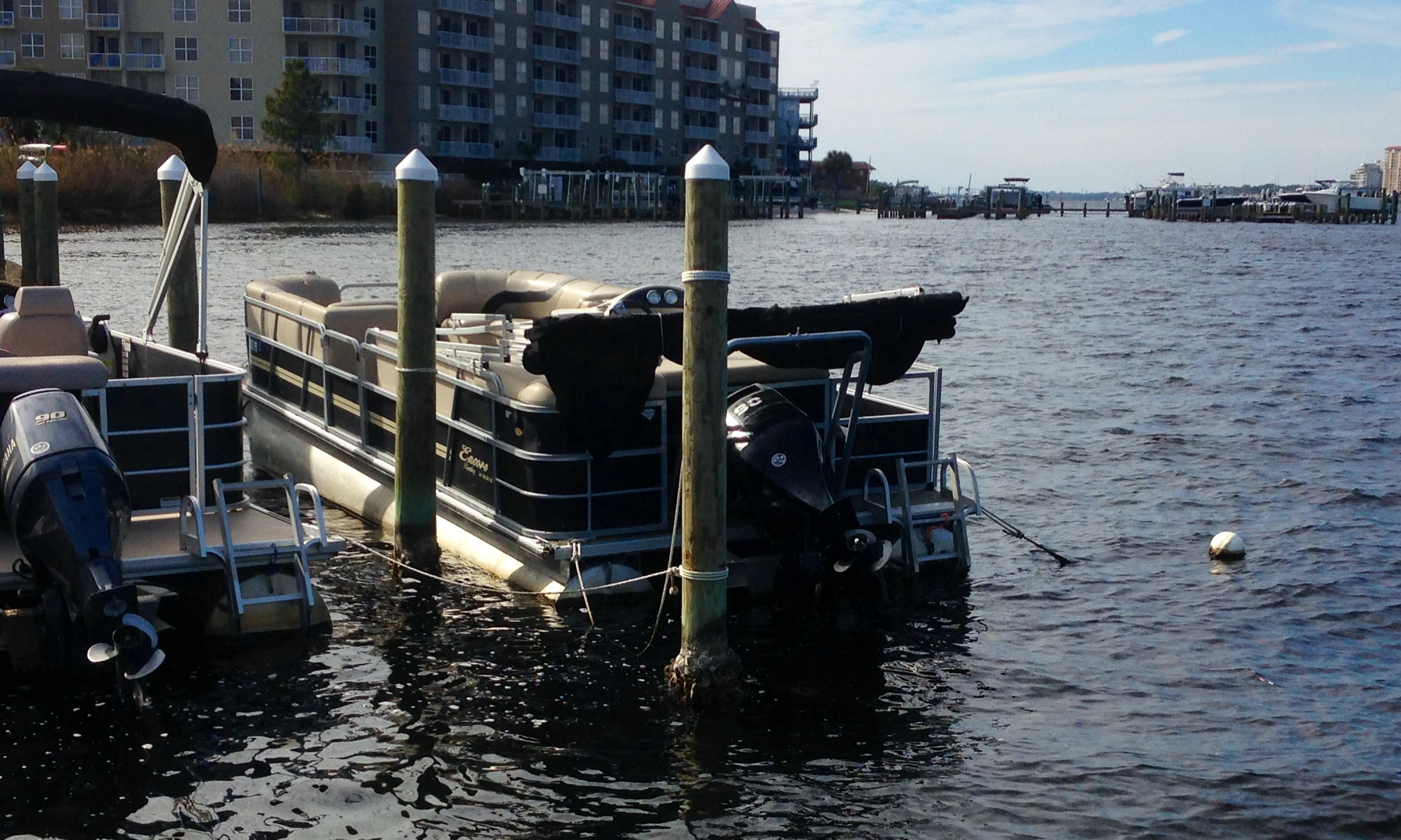 24' Pontoon Rental In Fort Walton Beach, Florida