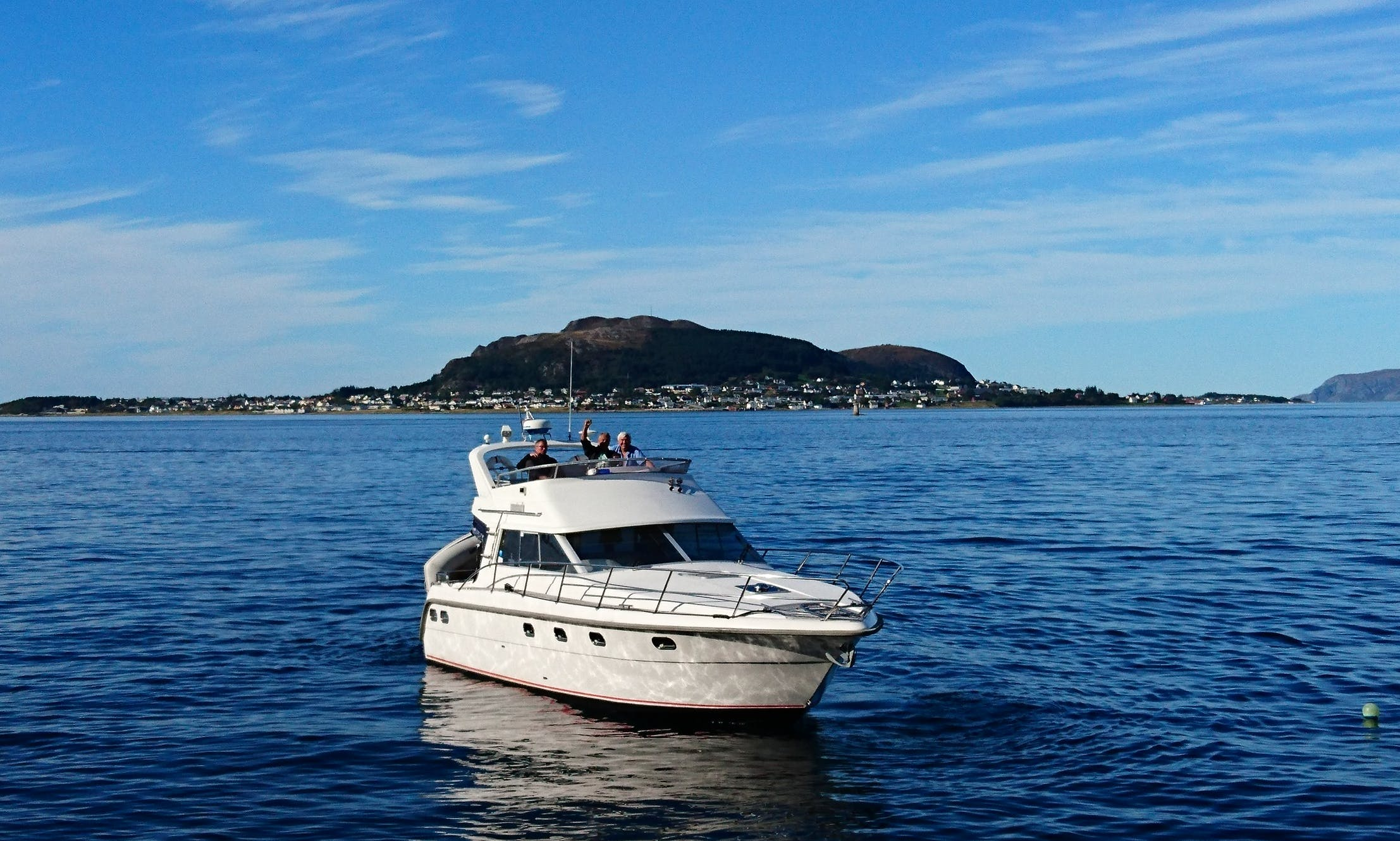 Motor Yacht for rent in Ålesund, Norge