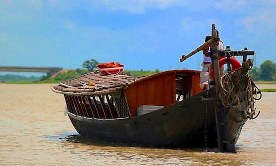 Charter Flèche D'or Canal Boat In Dhaka, Bangladesh