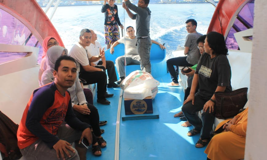 Speed boat to Bunaken & Siladen Island