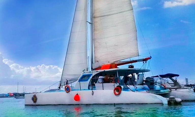 Captained Charter Sun Cat Cruising Catamaran in Panama City, Panama for up to 35 people