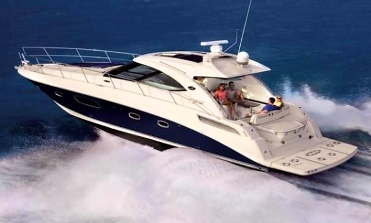 Motor Yacht rental in the Heart Of MANHATTAN