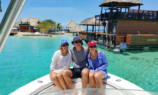 Roatan Private Boat Tours And Enjoy All The Beauty That Roatan Has To Offer