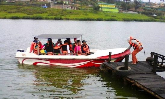Charter A Dinghy At Lake Gregory In Nuwara Eliya, Sri Lanka