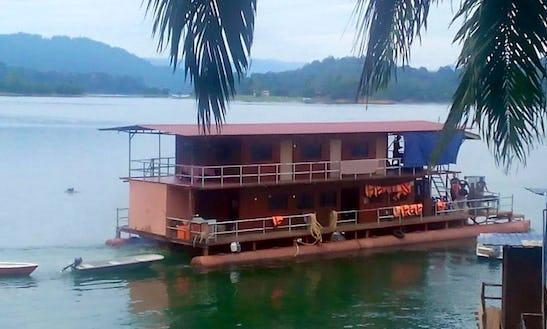 Houseboat Vacation In Kuala Berang, Malaysia