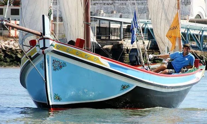 """30ft """"Gavião Dos Mares"""" Sailboat Rental In Lisboa, Portugal"""