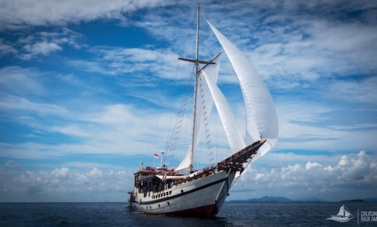Wisesa 98' Enjoy Dive Cruises In Sorong Raja Ampat & Labuan Bajo Komodo Islands In Indonesia On Our Nice Wooden Boat