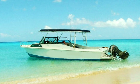 30' Cuddy Cabin Charter In Caicos Islands, Turks And Caicos Islands