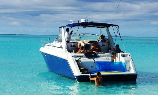 Charter A 42' Motor Yacht In Leeward Settlement, Caicos Islands