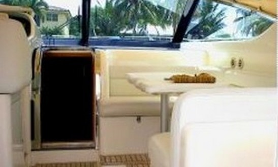 Charter 43' Uniesse Motor Yacht In Boca Del Río, Mexico
