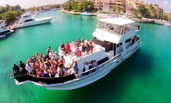 72' Yacht Charter In Puerto Aventuras